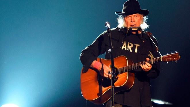 Neil Young'ın Saklı Tuttuğu Albümü 45 Yıl Sonra Çıkıyor