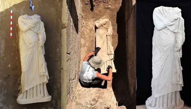 Patara'da 1900 Yıllık Kadın Heykeli Bulundu