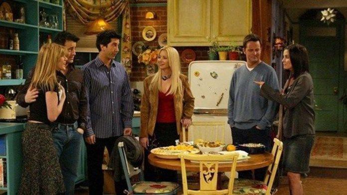 Friends Dizisinin Yemek Kitabı Çıkıyor: Friends: The Official Cookbook