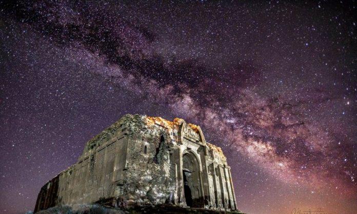 Van'daki 1700 Yıllık St. Bartholomeus Kilisesi İlk Kez Gece Fotoğraflandı
