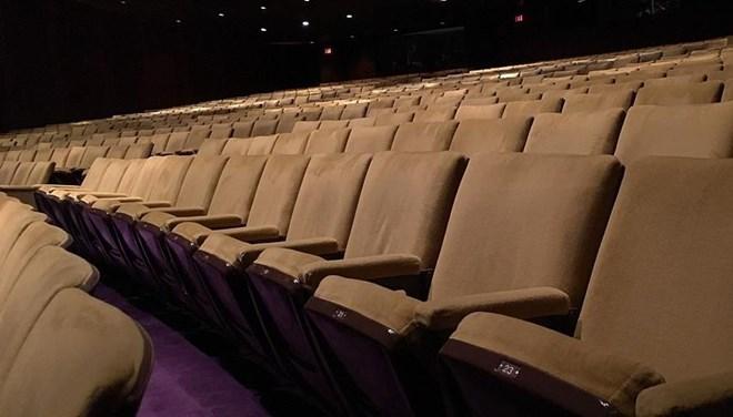Çin'de Sinemalar Açılıyor