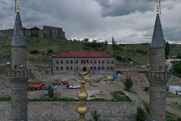 Osmanlı-Rus Savaşı'nın Tanığı Tarihi Beylerbeyi Sarayı Eski İhtişamına Kavuşuyor