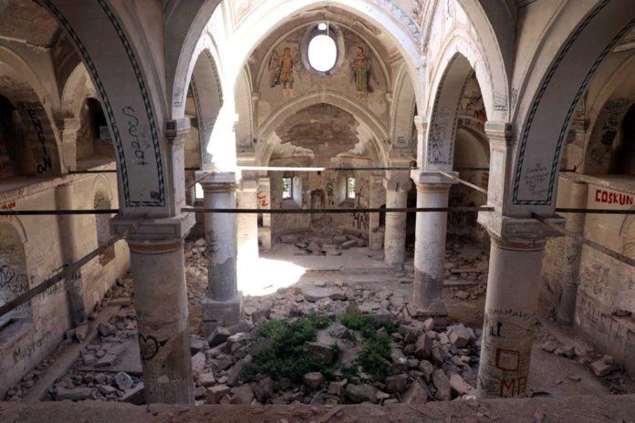 Definecilerin Tahrip Ettiği Tarihi Kilise, Restore Edilecek