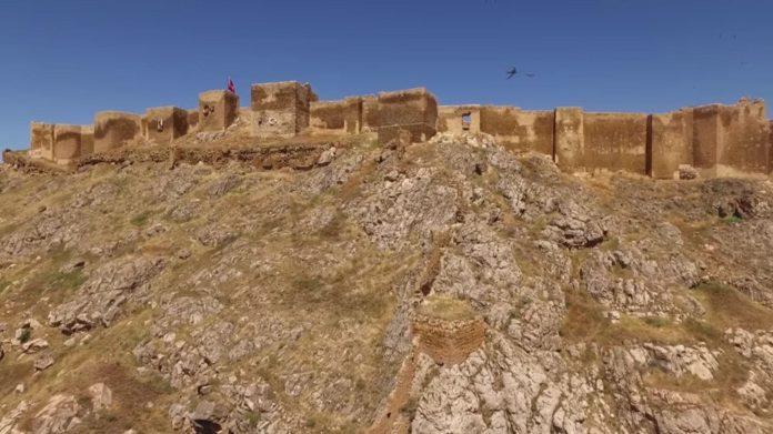 Bayburt Kalesi'nde Tarihi Kalıntı ve Eserlere Ulaşıldı