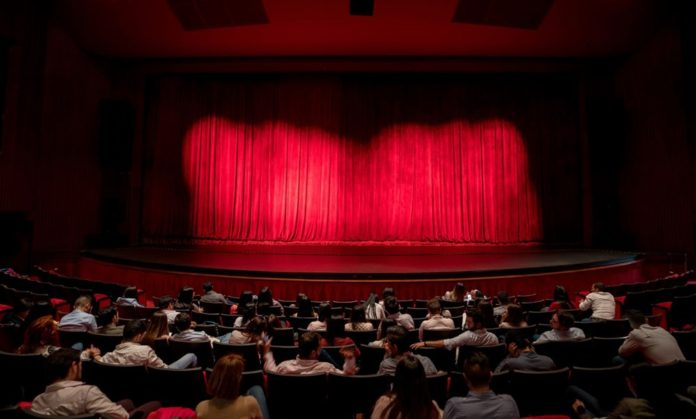 Kültür ve Turizm Bakan Yardımcısı Yavuz'dan Tiyatro Açıklaması