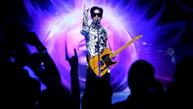 Prince'in Cosmic Day Şarkısı İlk Kez Yayınlandı