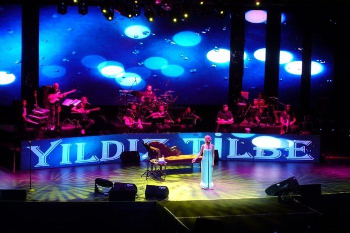 Yıldız Tilbe'nin Harbiye Konserinde Berkay Sürprizi