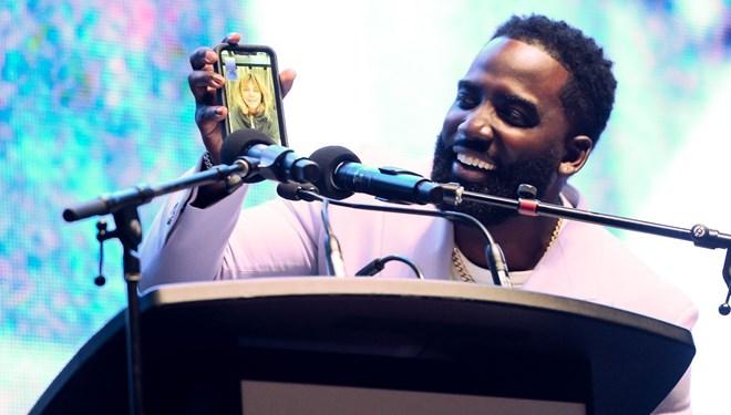 Halle Berry Toronto Film Festivali'ne Telefon Bağlantısıyla Katıldı