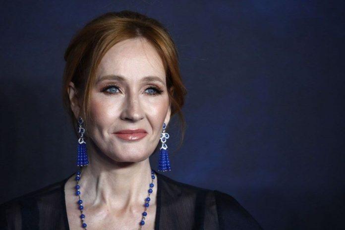 J.K. Rowling'in Yeni Romanına Transfobi Suçlaması