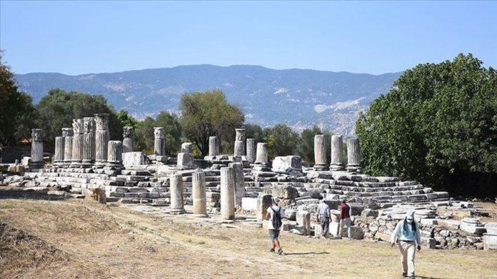 Muğla Lagina Hekate Kutsal Alanı'ndaki Yapılar Ayağa Kaldırılıyor