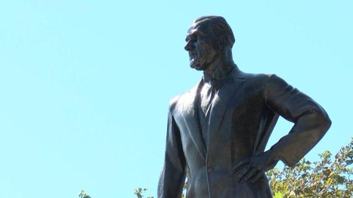 Türkiye'nin İlk Atatürk Anıtı'na Restorasyon