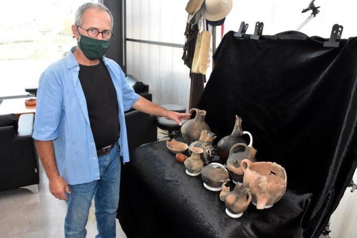 İzmir'deki Antik Yerleşimde 8 Bin 200 Yıllık Ana Tanrıça Heykelciği Bulundu