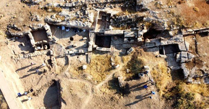 Adıyaman'daki Perre Antik Kent'teki Kazılarda 9 Adet Üzüm İşliği Bulundu