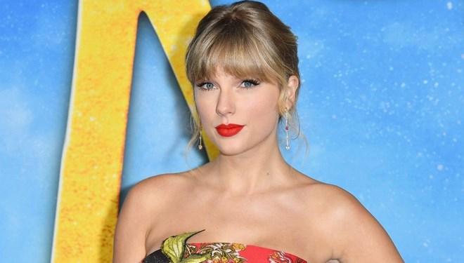 Taylor Swift 2020'de 1 Milyon Albüm Satan İlk Şarkıcı Oldu