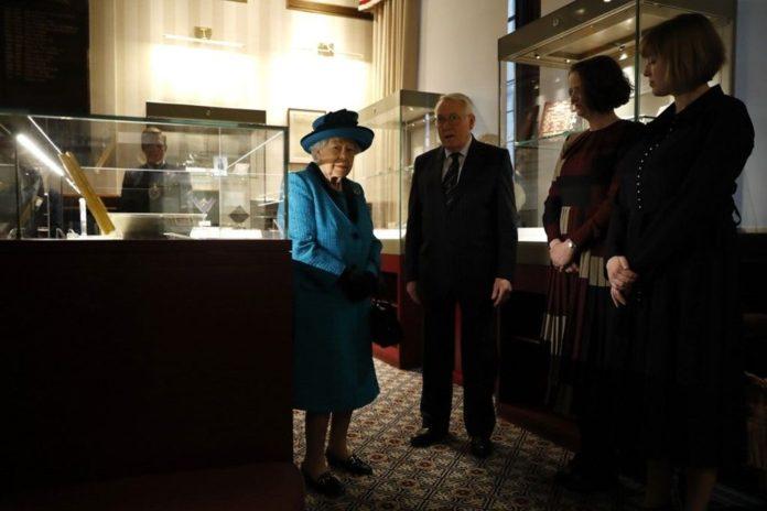 Buckingham Eserleri Halkla Buluşuyor