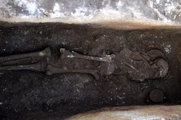 Perre Antik Kenti'nde 1500 Yıllık İnsan İskeleti Bulundu