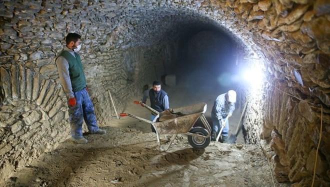 İzmir'deki Hypaipa Antik Kenti Gün Yüzüne Çıkıyor