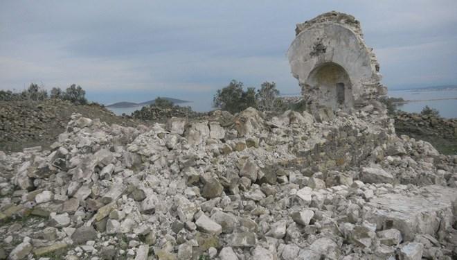 250 Yıllık Manastır Şapeli Defineci Kazıları Nedeniyle Yıkıldı