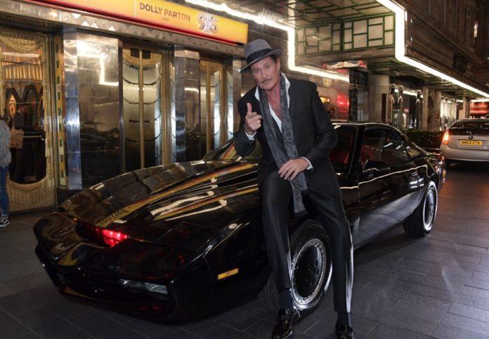 David Hasselhoff, Kara Şimşek'ini (KITT) Satıyor