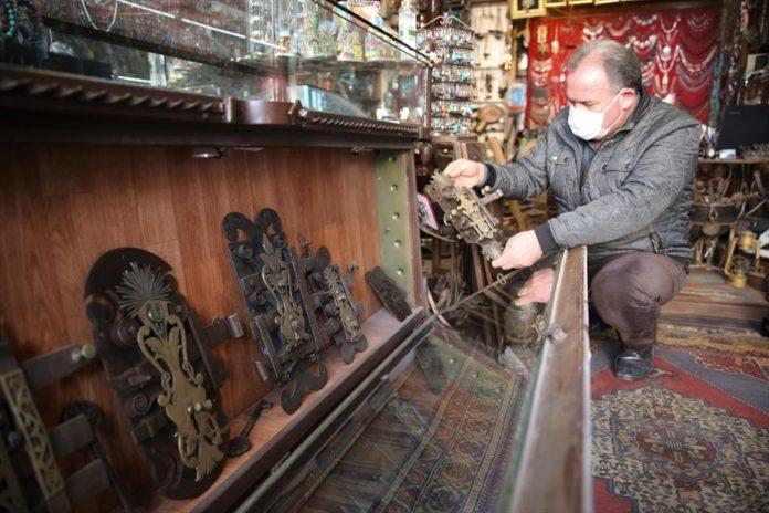 Müze Hedefi: 42 Yıldır Kapı Kilidi Biriktiriyor