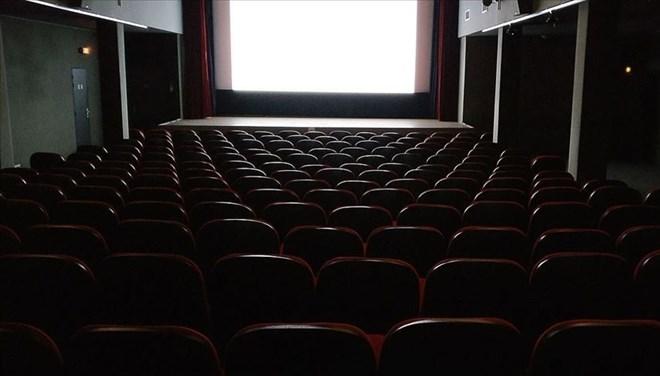 Sinemaların Açılış Tarihi Ertelendi
