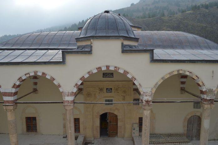 Tarihi Camideki Restorasyonda Osmanlı Motifleri Ortaya Çıktı