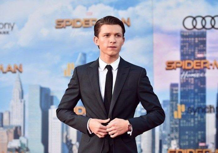 Tom Holland Örümcek Adam 3 Setinde: Kemerlerinizi BBağlayın