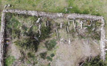 Tarihi Paşa Mezarlığı'nı Defineciler Talan Etti