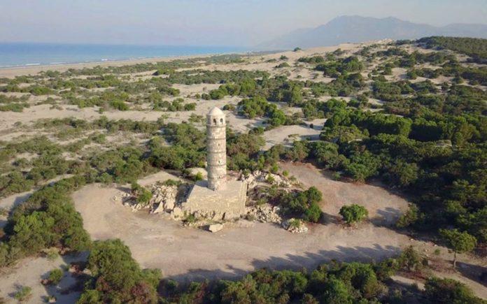 Tarihi Patara Deniz Feneri Orijinal Taşlarla Yeniden Ayağa Kaldırılıyor