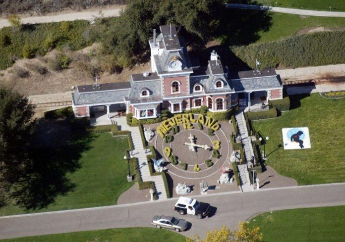 Michael Jackson'ın Neverland Heykelleri 2,5 Milyon Dolara Satışta
