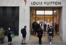 Moda Devi Louis Vuitton'dan İki Yeni Seyahat Kitabı