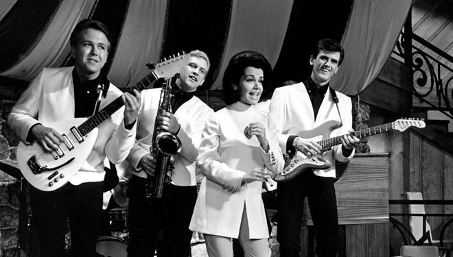 The Kingsmen Grubunun Gitaristi Mike Mitchell Hayatını Kaybetti