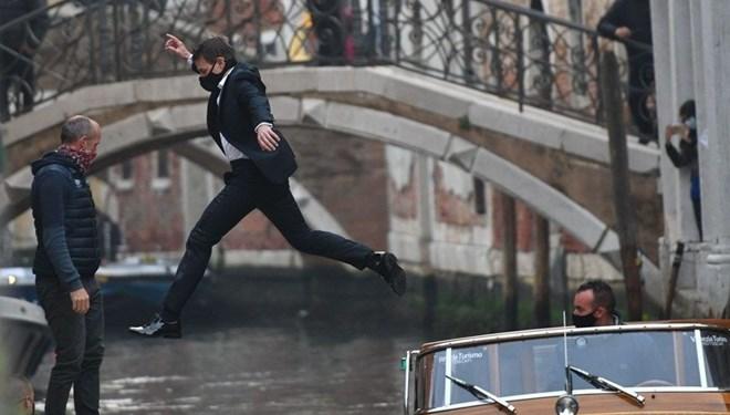 Tom Cruise Görevimiz Tehlike 7'nin Çekimlerinde Kameramanı İpten Aldı