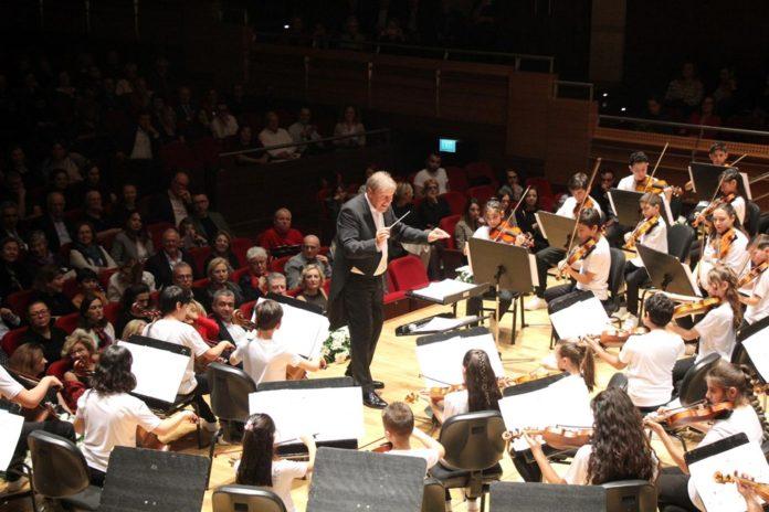 Yorglass Barış Çocuk Senfoni Orkestrası'ndan 23 Nisan Konseri
